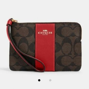 🍁🍂Coach FALL Corner Zip Signature Wristlet NWT!